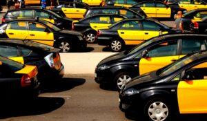 porque los taxis en barcelona son amarillos